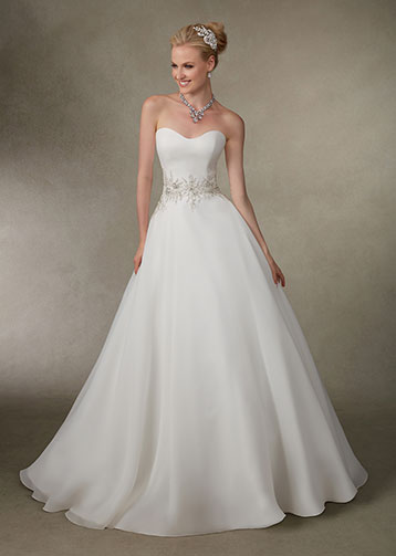 Victoria-Jane-for-Ronald-Joyce-Sposa-Glamour-Barone-Rosso-Sposa