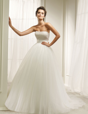 bridal-fashion-Ronald-Joyce-Pistoia