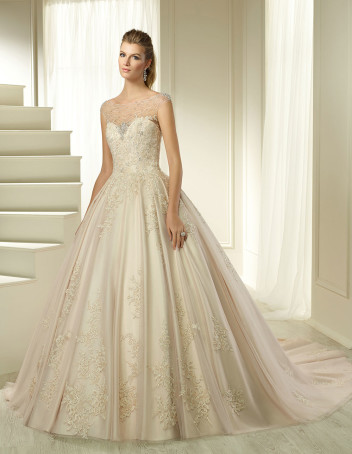 bridal-fashion-Ronald-Joyce