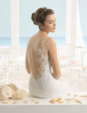 bridal-fashion-Aire-Beach-Wedding